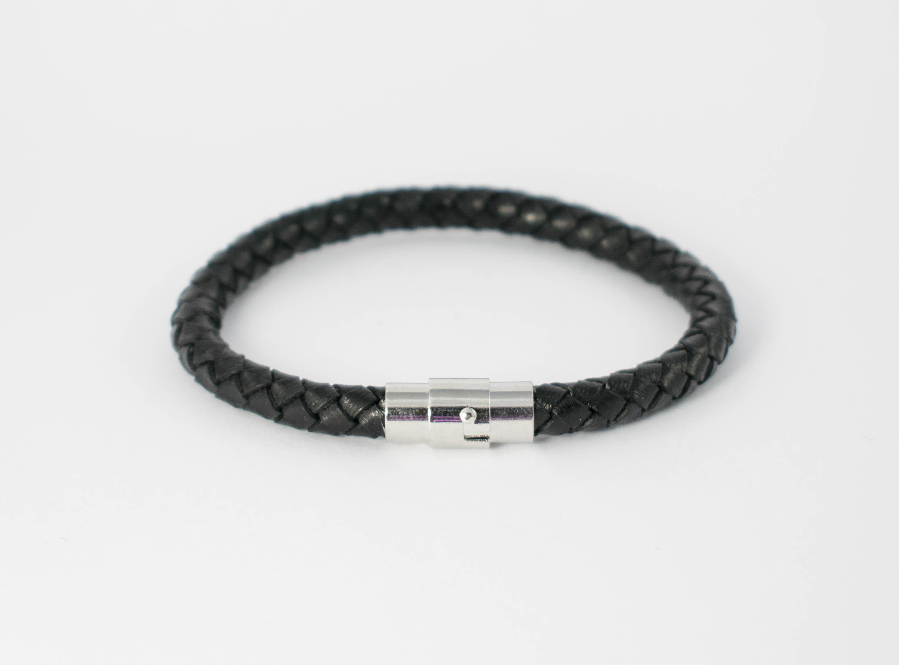 bracelet homme cuir noir simple rang buzz de bijoux. Black Bedroom Furniture Sets. Home Design Ideas